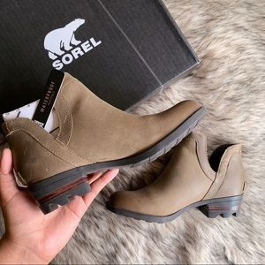 Sorel Lolla Cut Out Ash Brown US 5 Ankle Booties